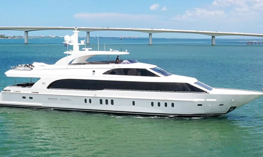 2013 HARGRAVE YACHTS